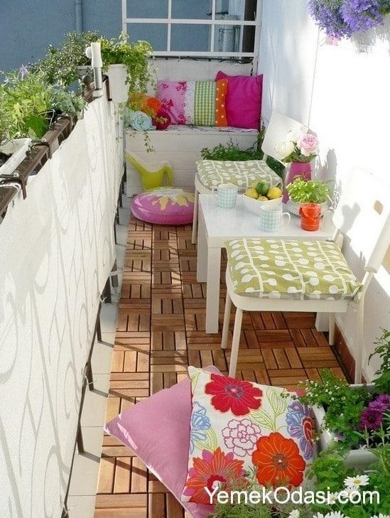 kucuk-balkon-dekorasyonu-3