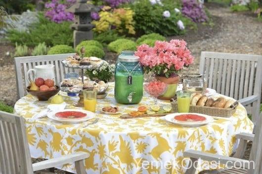Bahçe Masası İçin Örtü Modelleri 2