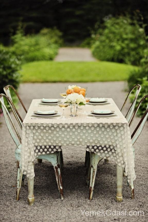 Bahçe Masası İçin Örtü Modelleri 7