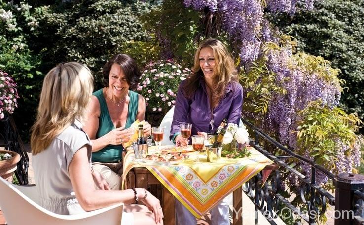 Bahçe Masası İçin Örtü Modelleri 11