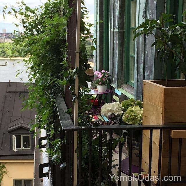 balkon-metal-korkuluklu