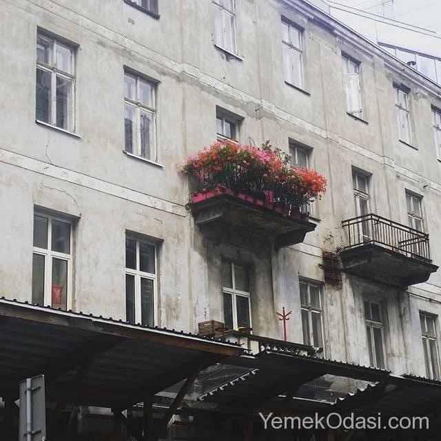 ciceklikli-balkon-korkuluklari