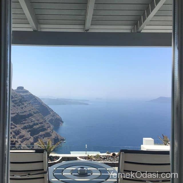 deniz-manzarali-oturakli-balkon