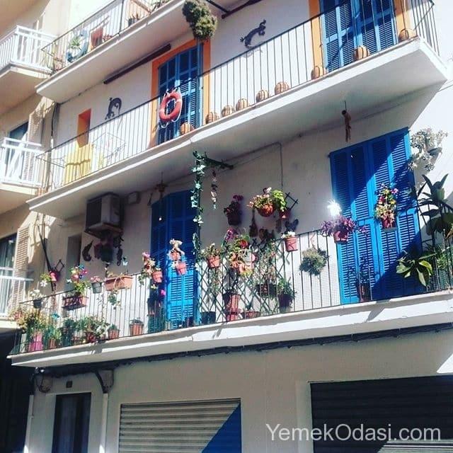 eski-tip-uzun-balkonlar