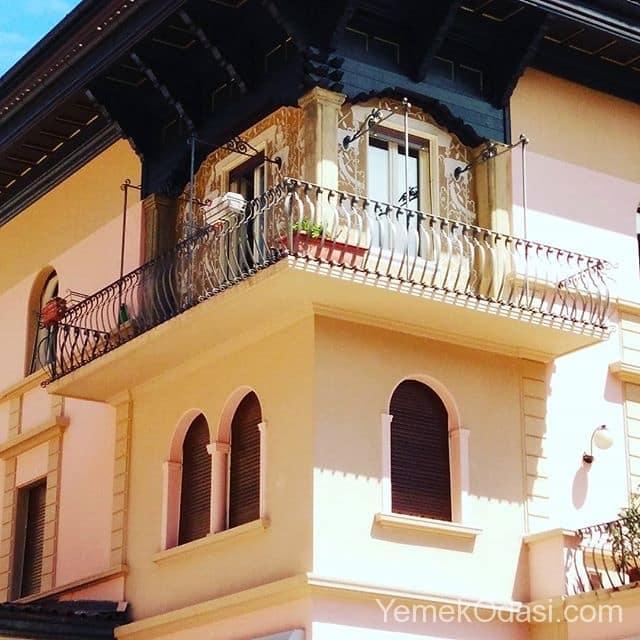 ingiliz-balkon-dekorasyonu
