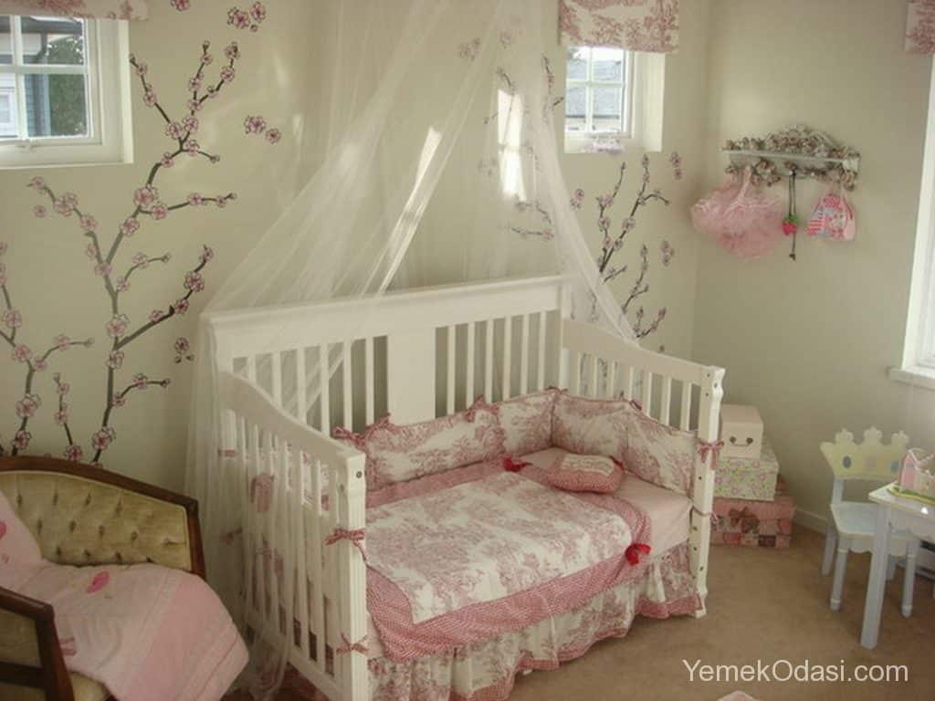 kiz-bebek-odasi-dekorasyonu-11