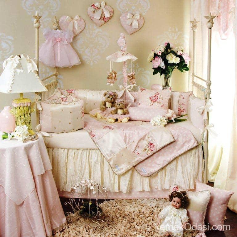 kiz-bebek-odasi-dekorasyonu-6