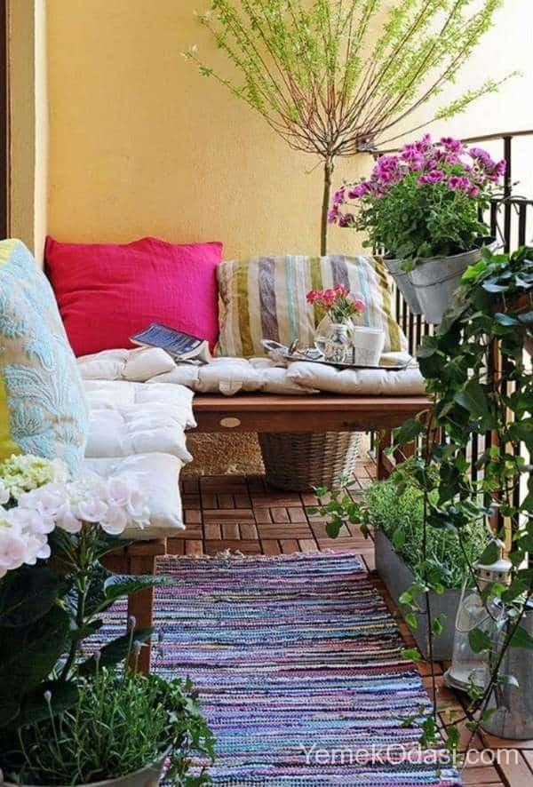 kucuk-balkon-dekorasyon-fikirleri-3