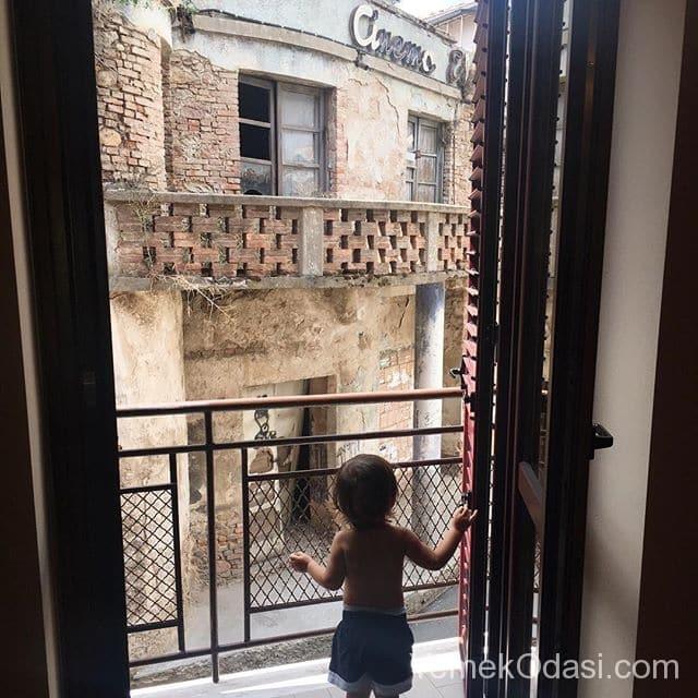varos-balkon