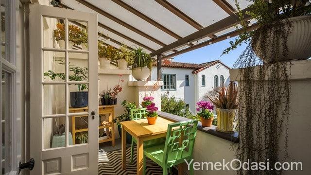 En g zel kapal balkon modelleri yemek odas ve dekorasyon for Idee per coprire ringhiera balcone