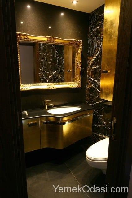 Banyo Dekorasyonunda Siyah Ve Gold Uyumu Yemek Odası