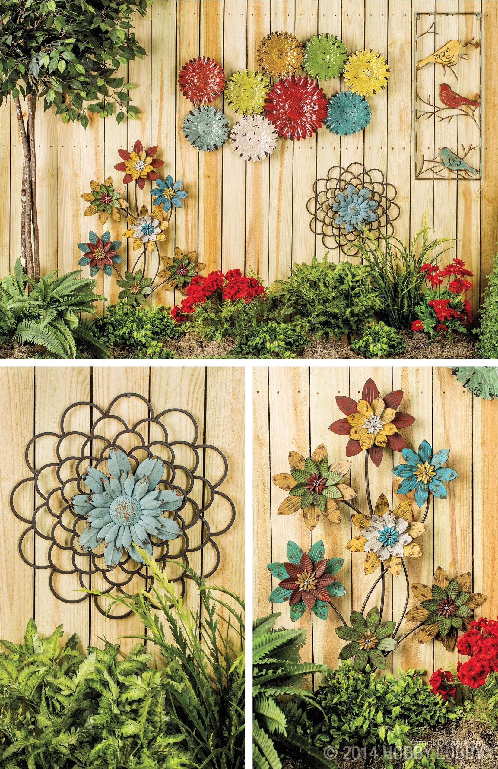 Bahçe duvarı ahşap süsleme