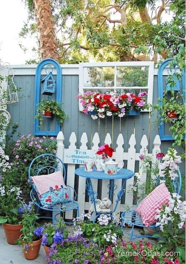 Bahçe Mavi Oturma Köşesi