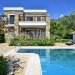 bahçeli havuzlu ev