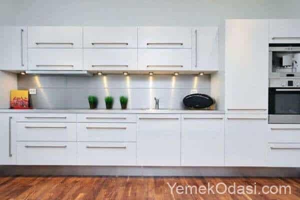 mutfak dolabında beyazlık