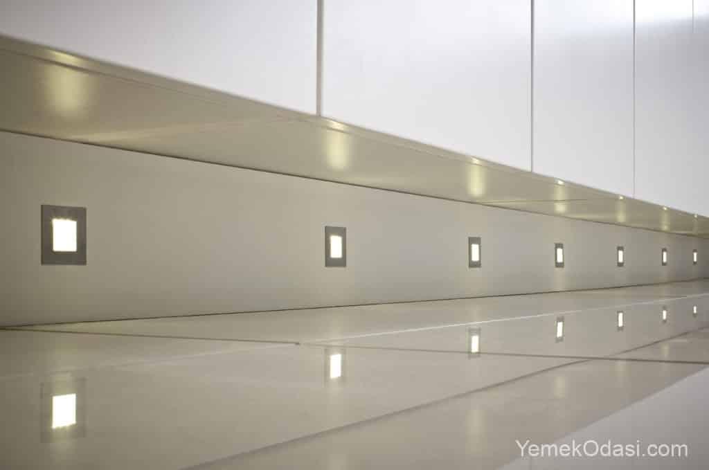 Mutfak duvarı spot aydınlatma