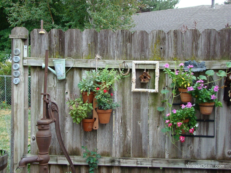 Ahşap bahçe çardak
