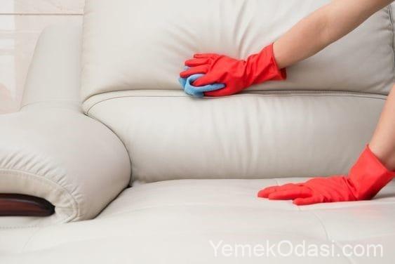 beyaz suni deri koltuk temizliği